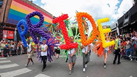 Gay Pride - FirstRadioWeb