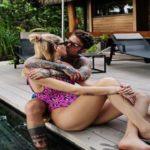 """La coppia social dei """"Ferragnez"""" si concede una vacanza in Polinesia senza il piccolo Leone: scatenati i fan sui social"""