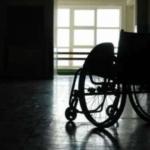 Catania - Un 15enne si fa riprendere mentre schiaffeggia un disabile. Il video finisce su FB